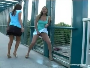 beautiful girls pissing free