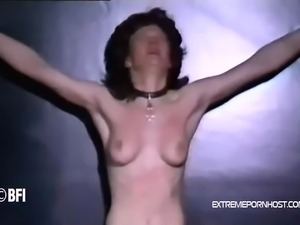 Poor amateur slave wife gets slapped with a whip by a bbw dominatrix and a...