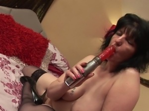mature with saggy tits rubs her cunt