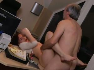 porno-v-ofise-russkoe-hd