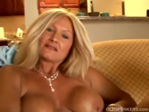 Sexy cougar slips out of her panties free