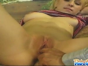 Babysitter Melanie with big tits gets licked and sucks