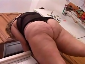 BBW Beauty Kitchen Sex