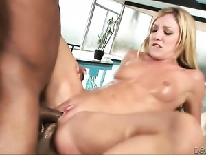 Mark Anthony touches the hottest parts of ultra sexy D-Snoops body after he...