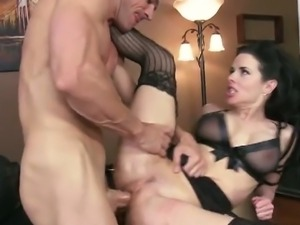 Veronica avluv is horny secretary
