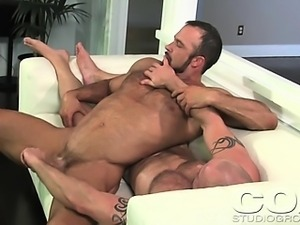 Sexy Muscled Man Gets A Dick Massage From His Hot Boyfriend