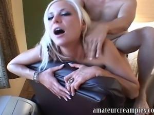 Elizabeth de Mar getting filled up with cum at amateur creampies