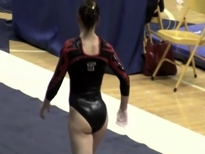 Cute gymnast with a beautiful body !