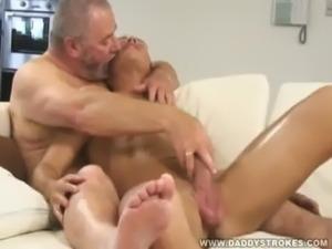 Big John Jerking Off His Sexy Admirer Chris free