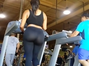 big booty at gym
