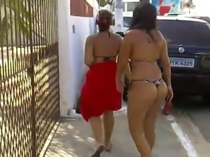 Sluts leaving the beach in bikini