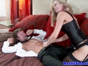 Real bimbo housewife riding guys dick