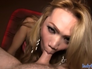 Blonde ladyboy with a natural body anal fuck in a hotel