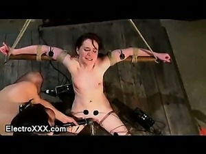 Bound babe connected to electricity gets pussy vibed