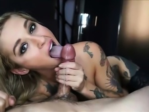 Amateur Tattooed Blonde Beauty Blowjob