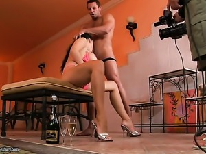 Bodacious kitty Aletta Ocean with gigantic breasts has some time to give some...