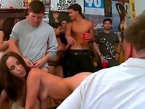 Shameless round ass porn stars Jennifer Dark, Jada Stevens and Diamond Kitty...