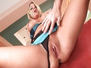 Sexy Riley Evans pounded in all holes