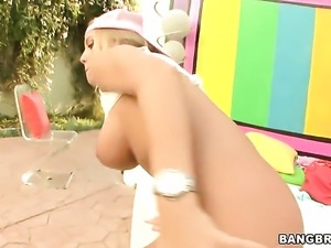 Blonde Nicole Aniston with giant breasts gets dreamed in jizz