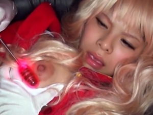 cosplay slut makes herself cum