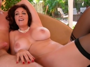 Hot mom with huge butt loves to fuck young guys