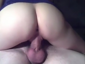 This Amateur Knows How To Ride A Cock