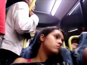 Novinha olhando a piroca