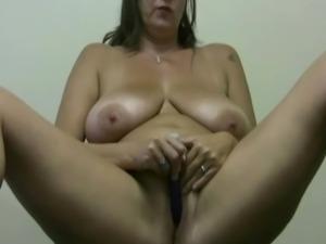 BBW Carrie solo orgasm