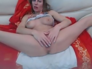 omegle chatroulette hot squirting milf on webcam