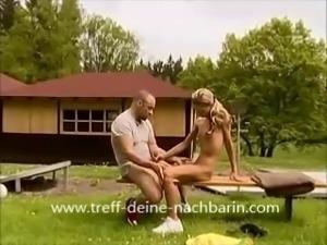 Deutsche Teen Nachbarin Outdoor gefickt