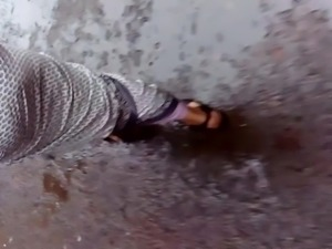 bangladeshi sexy lady twisting public ass