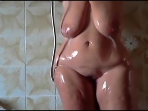 Huge bbw shower boobs