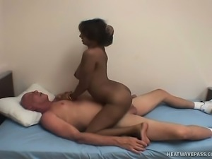Voluptuous Indian babe Jhazira Minxxx gets nailed in various positions