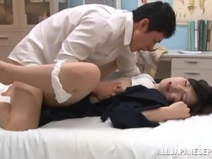 Astounding Brunette Goes Hardcore With A Dirty Doctor