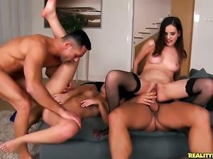 Brunette Renato gets a nice bum fuck