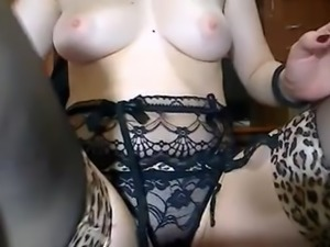 Brunnette big round butt ass in sexy lingerie
