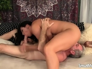 Bodacious mature nympho gives a sensual blowjob and gets pounded deep