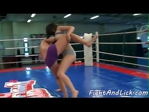 Wrestling babes pussyfingering in sixtynine