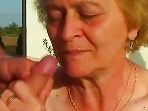 SAGGY TITS SMALL TITS OUTDOOR GRANNY SEX
