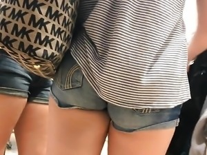 Tight Little Ass I Caught In Charlotte Russe (HD) 08-31-17
