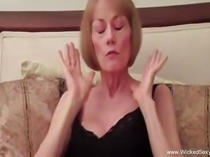 Having Fun With My Granny Using Sex