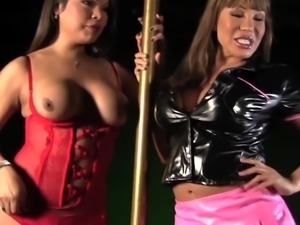 Ava Devine hooks up with a hot shemale to seduce a guy