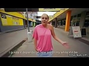 Cutie amateur european slut seduces tourist dor a street blowjob 32