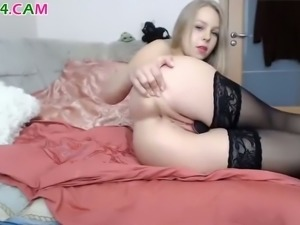 When this hot webcam girl fucks her pussy with her sex toy the time stops