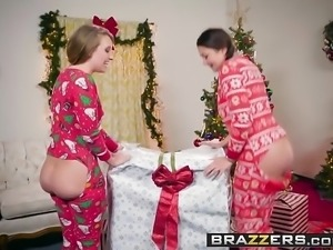 Brazzers - Big Wet Butts -  Anal Xmas scene starring Allie H