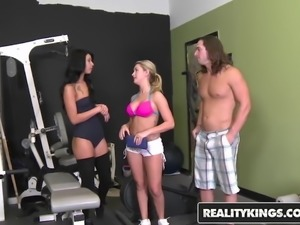 RealityKings - Money Talks - Chloe Addison Esmi Lee Tarzan -