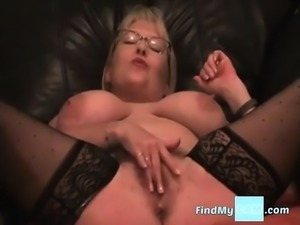 Amateur CD in pink stockings solo