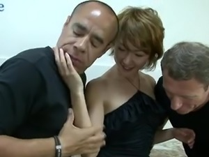 All natural depraved Japanese hoe Myu works on two tasty cocks (FMM)