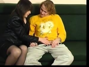 Amateur brunette in stockings loving a big brutal dildo