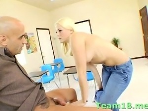 Sassy blonde minx Alexis Texas gets banged really hard